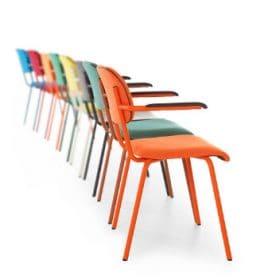 Jami stoel is een trendy, hippe stoel met retro look. De Jami 4-poot stoel kan in trendy kleuren gestoffeerd worden en de poten worden gepoedercoat in hippe kleuren. De originele retro look krijgt hierdoor een modern jasje maar blijft toch gehandhaafd.