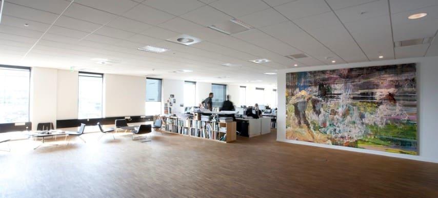 Akoestisch systeemplafond als onderdeel van de kantoorinrichting