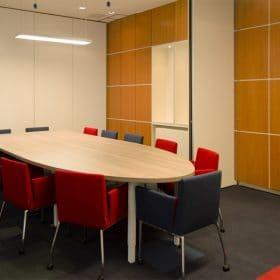kantoorinrichting Maastricht vergadertafel