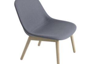 Muuto Fiber lounge fauteuil met houten onderstel
