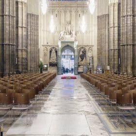Kerkstoel met stoelnummer stapelbaar