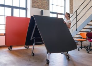 Inklapbare verrijdbare tafel voor mobiel vergaderen