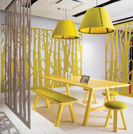 Buzzispace buzzifalls geel akoestische ruimteverdeler voor sfeer en privacy op kantoor