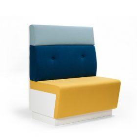 Lande MC Sofa. Wandbank, zitbank, kantoorbank. Deze bank kan tegen een wand, in een opstelling of met de ruggen tegen elkaar geplaatst worden