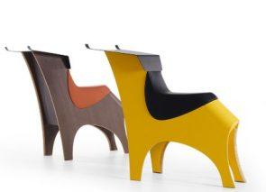 De Toro is een alternatieve bureaustoel of zitmeubel. Een zitoplossing om ergonomisch op te zitten. Dit alternatief voor een stoel komt het beste tot zijn recht in bijvoorbeeld een bibliotheek, wachtruimte of brainstormruimte.
