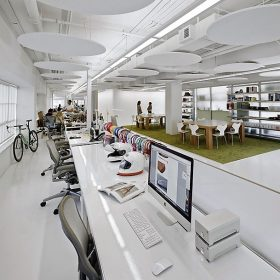 Akoestische ronde plafondpanelen voor betere akoestiek in industriële kantoorpanden