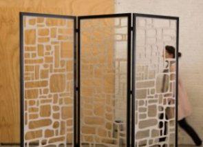 Standing akoestische ruimteverdeler in verschillende patronen uitgesneden geplaatst in frame