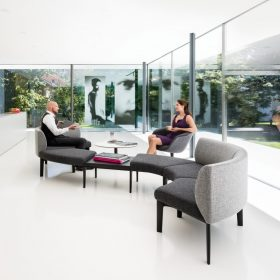 Sedus Se-works bank voor informeel overleg op kantoor met ronde vormgeving