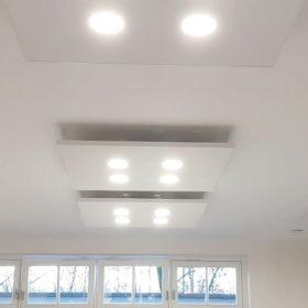 Akoestische plafondpanelen met verlichting