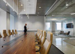Luxe kantoorinrichting luxe vergaderkamer