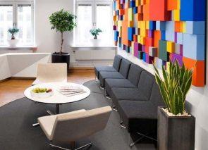 Modern zitje in ontvangstruimte kantoor
