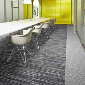 Desso Airmaster carpet met mooi doorlopend lijnenspel