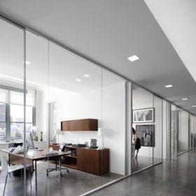 Gebruik van glaswanden op kantoor