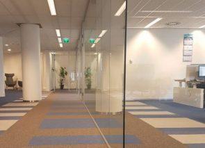 Glaswanden geplaatst bij Panalpina in Rotterdam