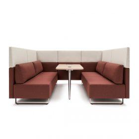 Loungemeubilair met losse modules naar wens samen te stellen ideaal in te zetten in bedrijfskantine