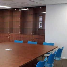 maatwerk kast en vergadertafel