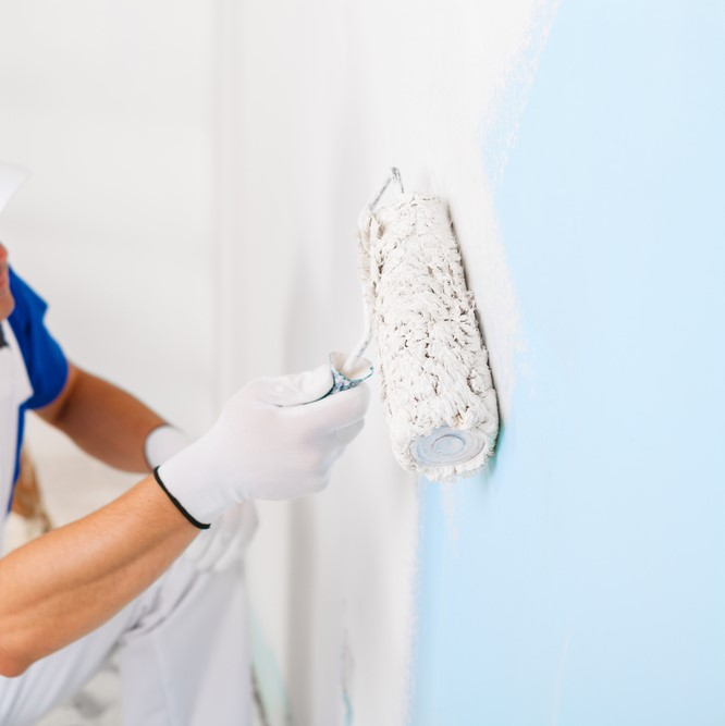 Verzorgen van texwerk op plafond en muren