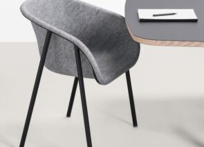 De Vorm LJ1 Pet Felt Arm Chair