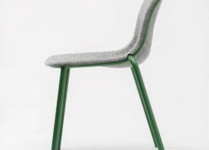 De Vorm Stack stoel met zitschaal van gerecycled Petfelt