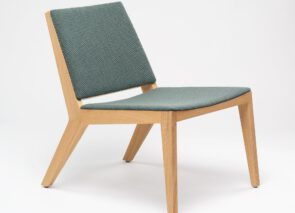 De Vorm Wood Me Lounge Chair