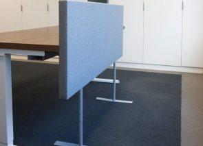 Goalpost akoestische bureauwand op pootjes