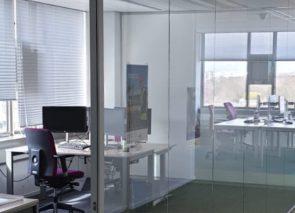 CNV glaswanden geplaatst