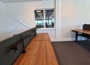 Bureaubladen op maat passend bij de bestaande deuren