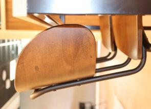 Detail industriele barkrukken