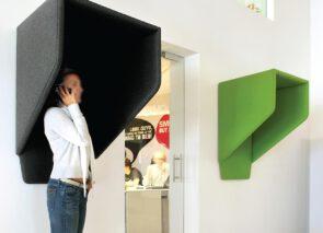 Buzzispace akoestische telefooncel voor aan de muur