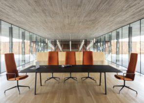 Andreu World Alya Executive vergaderstoel met hoge rug - stijlvol vergaderen