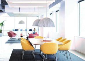 Artifort Beso vergaderstoel - kuipstoel -Designer Khodi Feiz