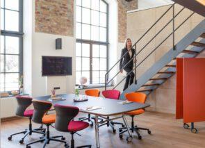Sedus vergaderset met inklapbare tafel mastermind fold en turn around vergaderstoelen